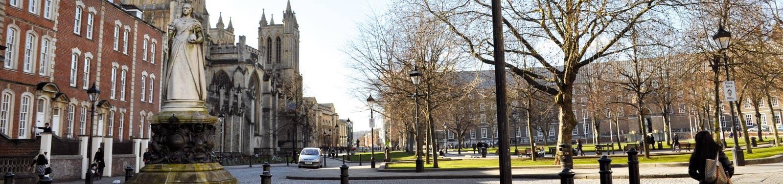 Estudiar Inglés en Bristol para Adultos