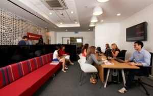 Estudiar-ingles-economy-Londres-Midleton-school