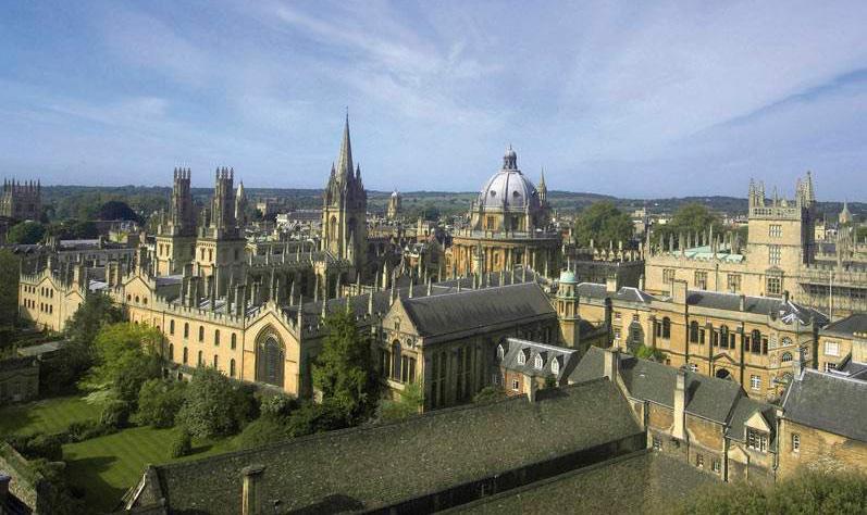 Cursos de Inglés en Oxford Midleton School