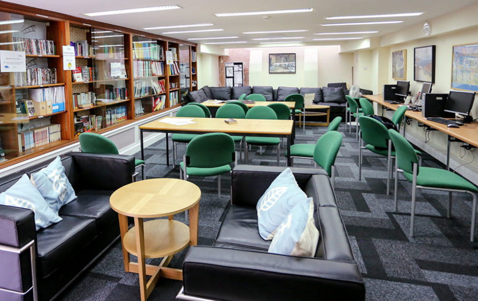 estudiar ingles en Londres en Hampstead Cursos Midleton School