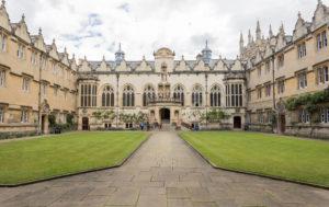 estudiar-ingles-en-Oxford-Midleton-School